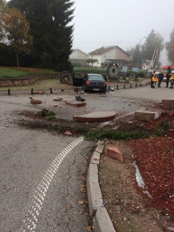 Etival-Clairefontaine-Accident_Fontaine (2)