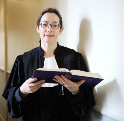 Elue-lEglise-protestante-Emmanuelle-Seyboldt-pasteure1994_0_1000_667