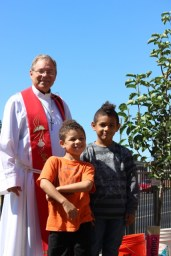 Pastor Tanney and Eagle Students (427x640)