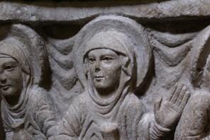 La visite des Saintes femmes le matin de Pâques avec leurs fioles de parfum.