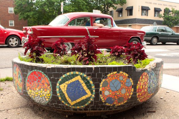 Tiled planters like this one line both sides of Snelling Avenue for several blocks north of University. The red Chevy in the background traveling south on Snelling had just left the Back to the '50s Weekend at the State Fair grounds.