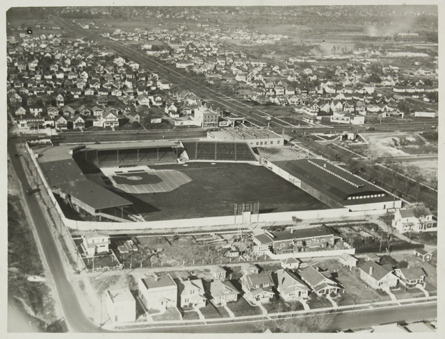 This areal view of Lexington Park is toward the east. Courtesy Minnesota Historical Society.