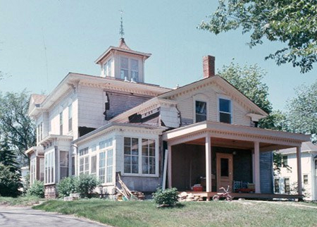 The Hinkel house prior to restoration. Courtesy Minnesota Historical Society