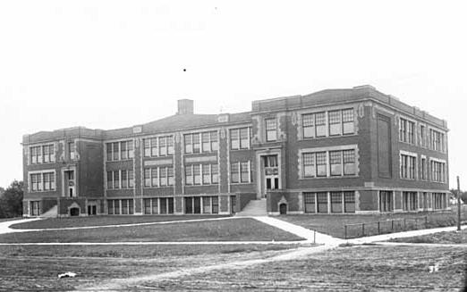 Humboldt High School circa 1915. Courtesy Minnesota Historical Society