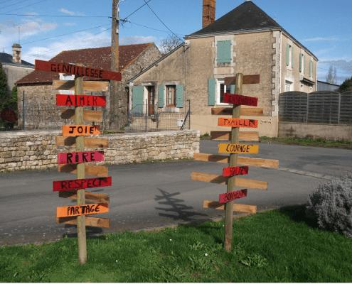 Totem directionnel Saint Valérien
