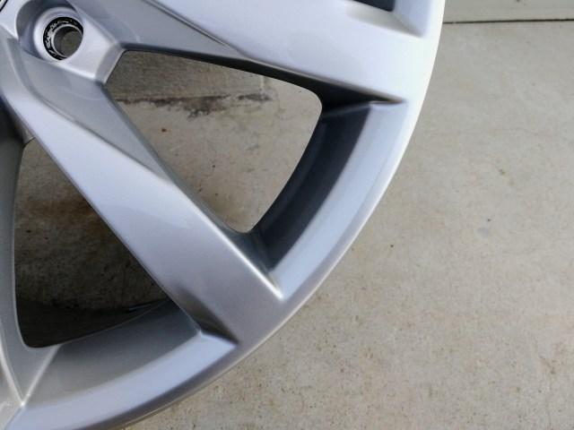 VW 17インチシルバーホイール修理後