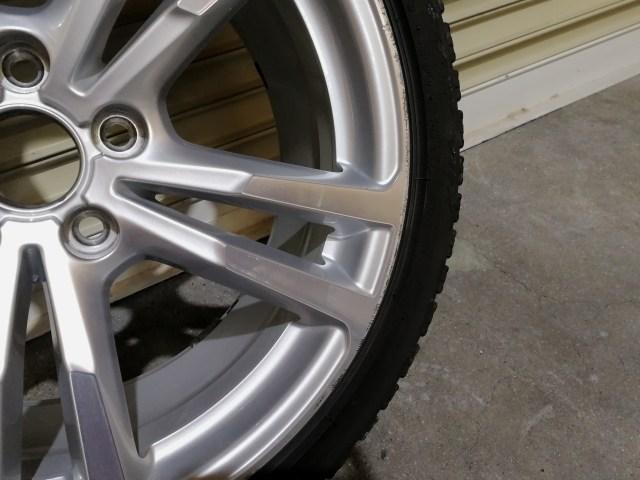 VW ダイヤモンドカットホイールガリ傷修理前
