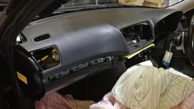 BL-BP系 レガシィ ダッシュボード割れ補修 内装外し