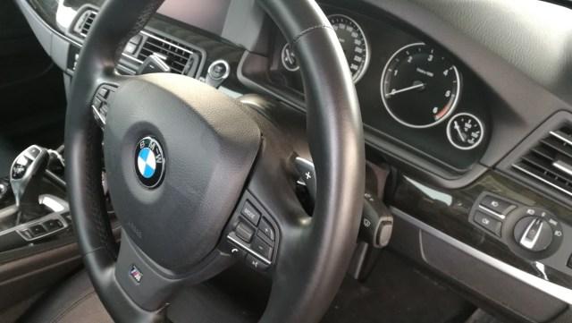 BMW 523d シート傷補修 ステアリング擦れ補修後