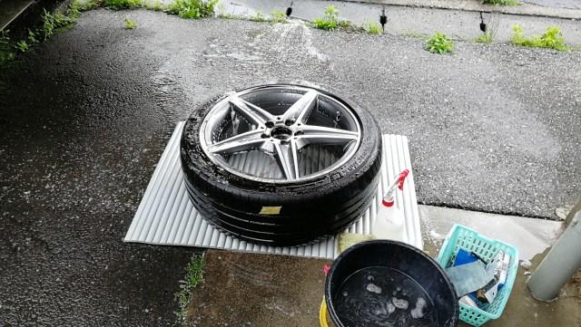 メルセデスベンツ C200ワゴン ダイヤモンドカットホイール傷修理 洗浄