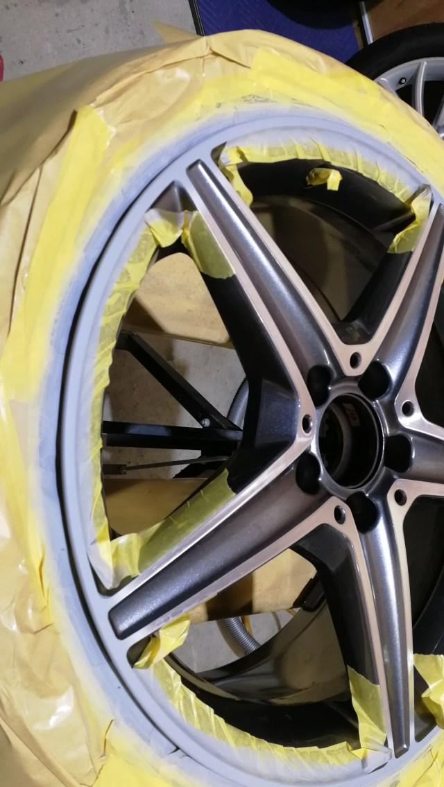メルセデスベンツ C200ワゴン ダイヤモンドカットホイール傷修理 プライマー塗装