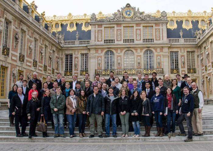 The ISR group in the courtyard of Versailles.  (Photo: Benji Preminger)