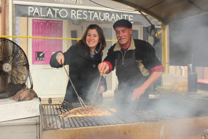 Barbecuing on the street in Porto, Portugal. (Photo: Serena Quiroga)