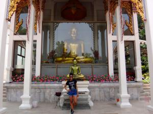 First-year SAIS Europe student Leah Smith visited the Golden Mount in Bangkok on her first day in Thailand. (Photo courtesy of Leah Smith)