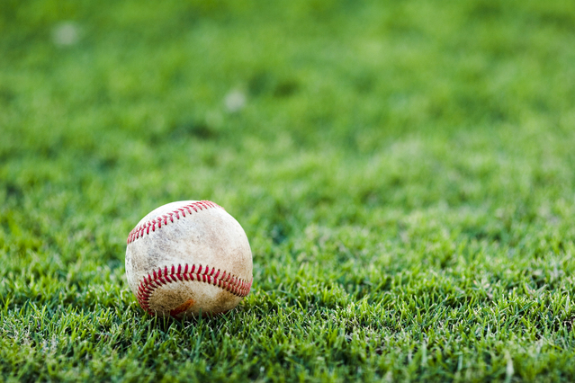 baseball-in-the-grass-1557579-639x426