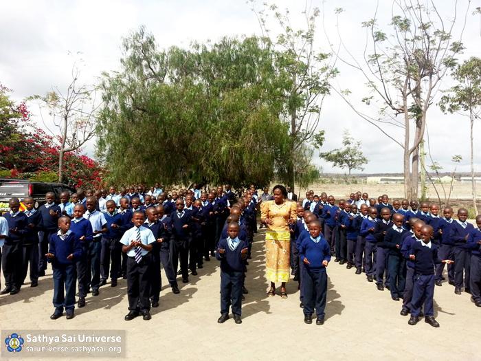 Kenya - General assembly at Sathya Sai School, Kisaju