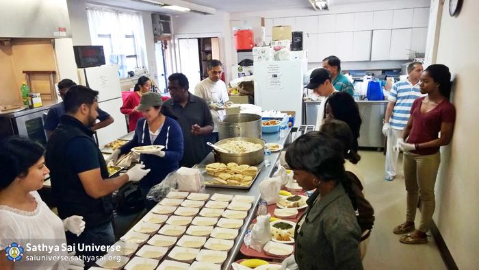 Volunteers preparing food