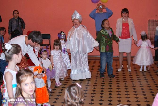 2014.12.21-8Z-Russia-Northwest region-New year Holiday-S. Petersburg-dance