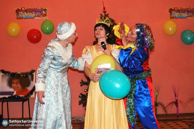 2014.12.21-8Z-Russia-Northwest region-New year Holiday-S. Petersburg-performance