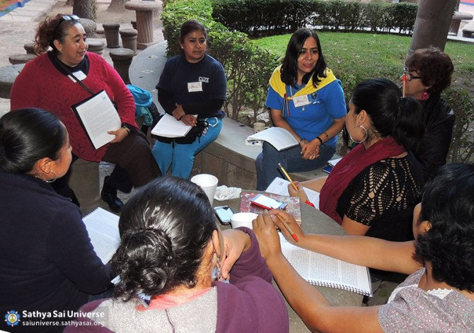 Group discussion at EHV Conference, Mexico