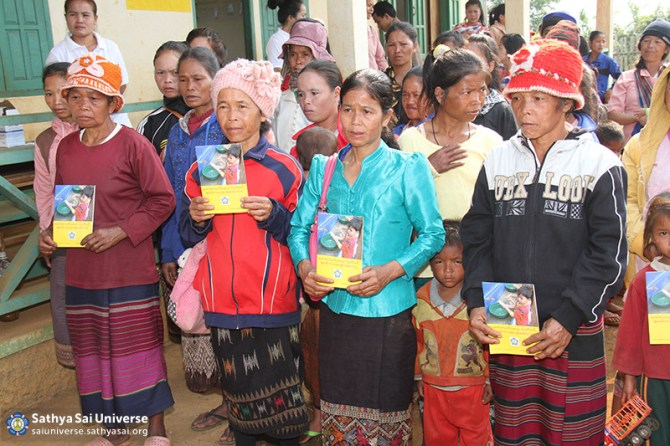 Pamplets on hygiene in Lao language