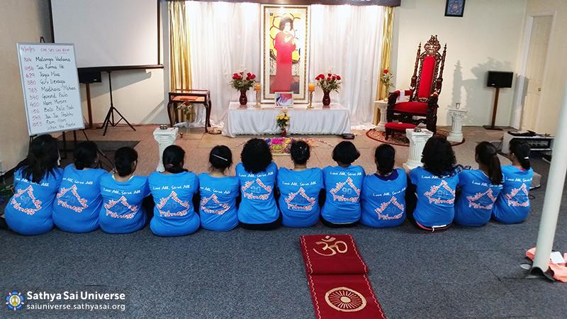 Sathya Sai women volunteers
