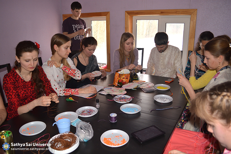 Z8 Russia Arts and Crafts at Youth Festival