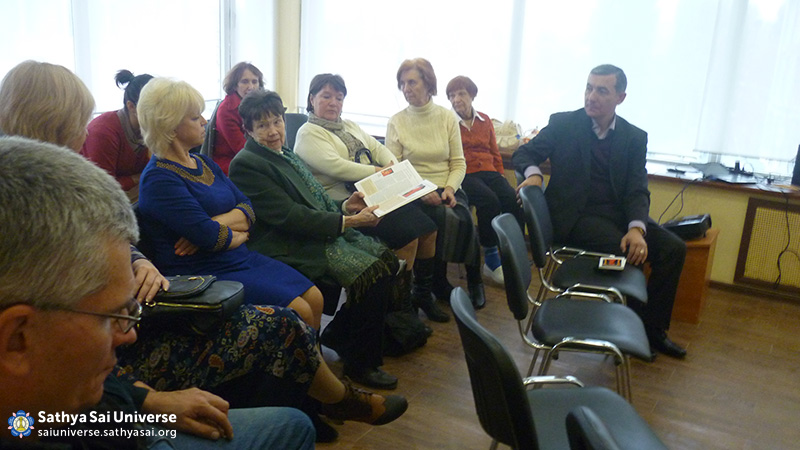2015-11-07-8Z-Russian- region 3-meeting with the public (2)