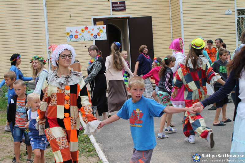2015.08.05-15 -8Z -Russia-North-Western region - medical and construction camp-holiday for children of the social center copy