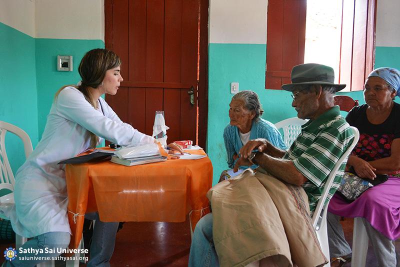 Z2B-Brazil-2015-06-Northeast Committee - Doctors Serving the Patients (9)