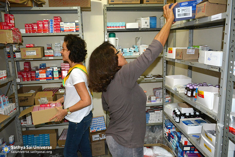 Z2B-Brazil-2015-06-Northeast Committee - Stock of Donated Medications