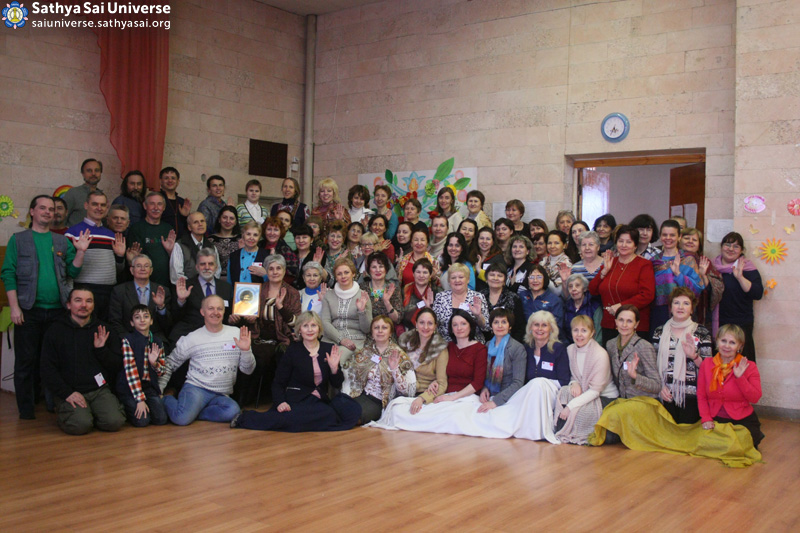 2016.03.25-27-Z8-Russian-14th Zonal Conference of Sathya Sai Education-Group photo.jpg) copy