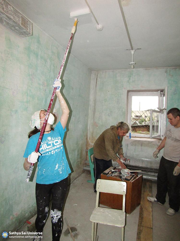 2016-06-04-z8-russia-ural-region-regional-sai-volunteer-camp-ceiling-painting