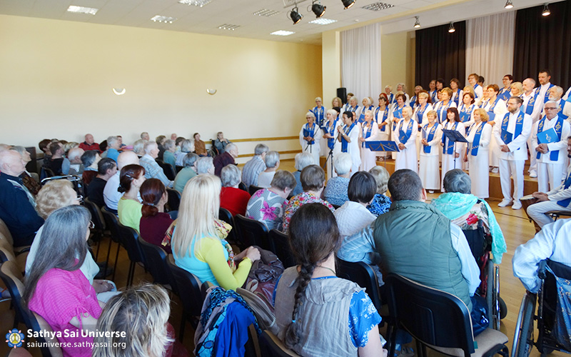 jarek-karwowski-ssopoland_lithuania_sarvadharmachoir_workshop_2016-08-28-f