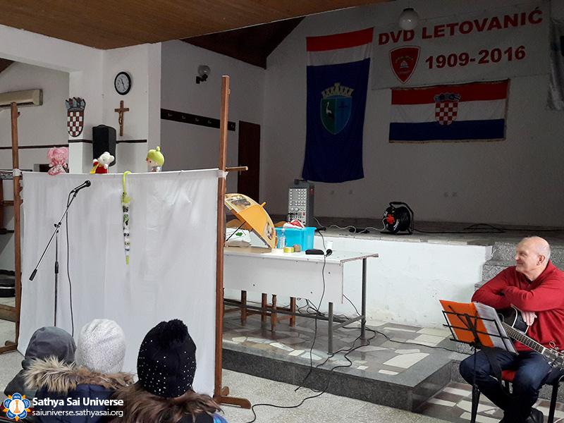 croatia-puppets-narrates