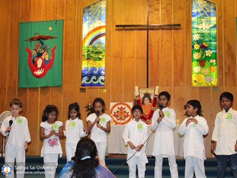 sse-juniour-children-performing-in-mutli-faith-event-copy
