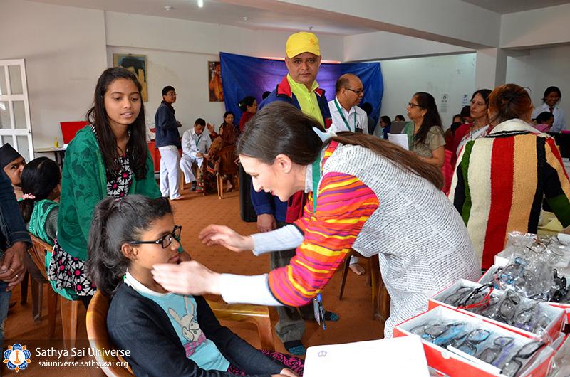 nepal-medical-camp-jun-17-dispensing-optician-kathmandu