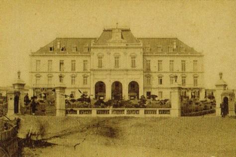 明治十四年(1881年)竣工の参謀本部。