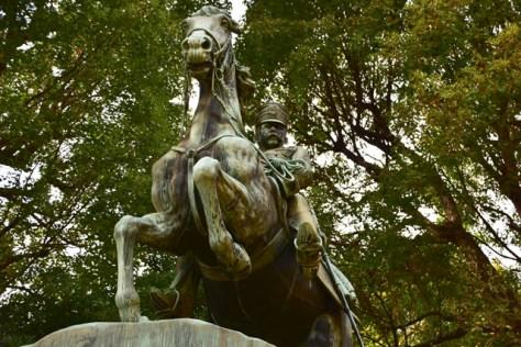 北白川宮能久騎馬像