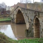 гърбав мост наводнен (5)