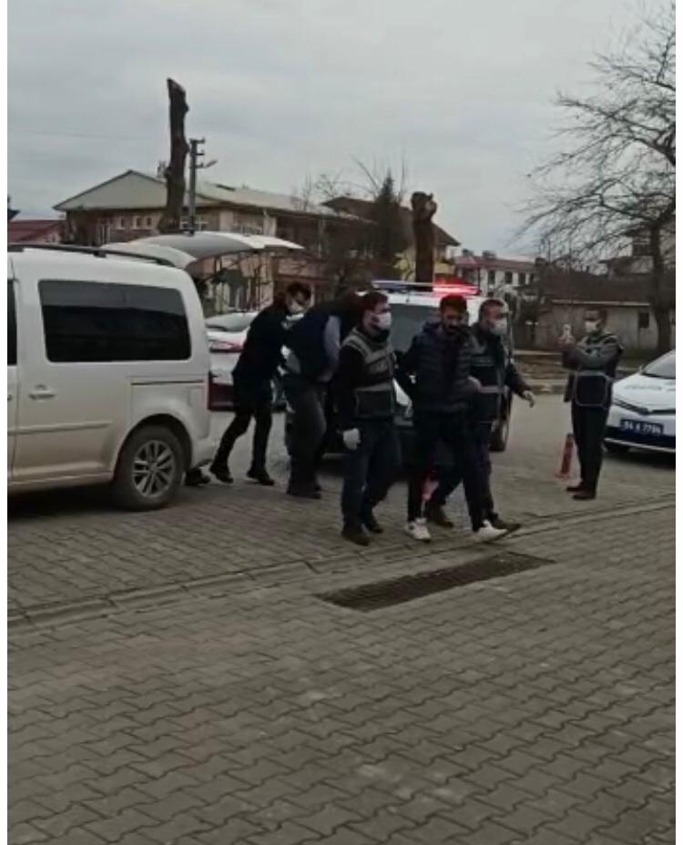 Yılbaşı gecesi tekstil fabrikasına uyuşturucu operasyonu: 3 gözaltı