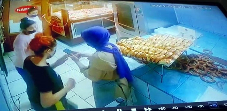 Yurttan kaçtıkları iddia edilen kızlar pastaneden yardım istedi