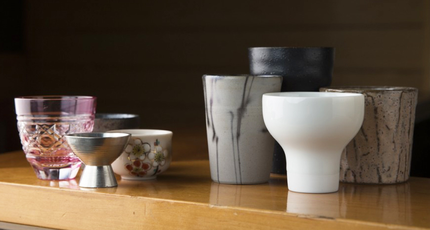 日本酒のうま味を最大に引き出す科学的酒器選び~酒が舌にどのように運ばれるのか!?4タイプ別おすすめ酒器の選び方~