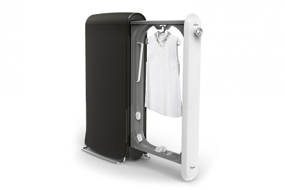 洗濯からアイロンまでを自動で行う最新家電、Swash