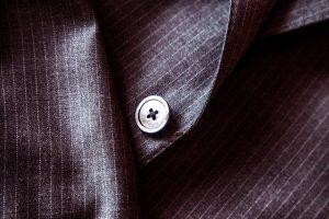 suit-407086_640