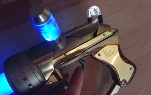 league-of-legends-zapper-pistol-2