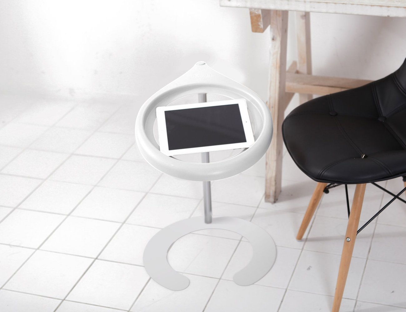 LABC-iBed-Tablet-Stand-02