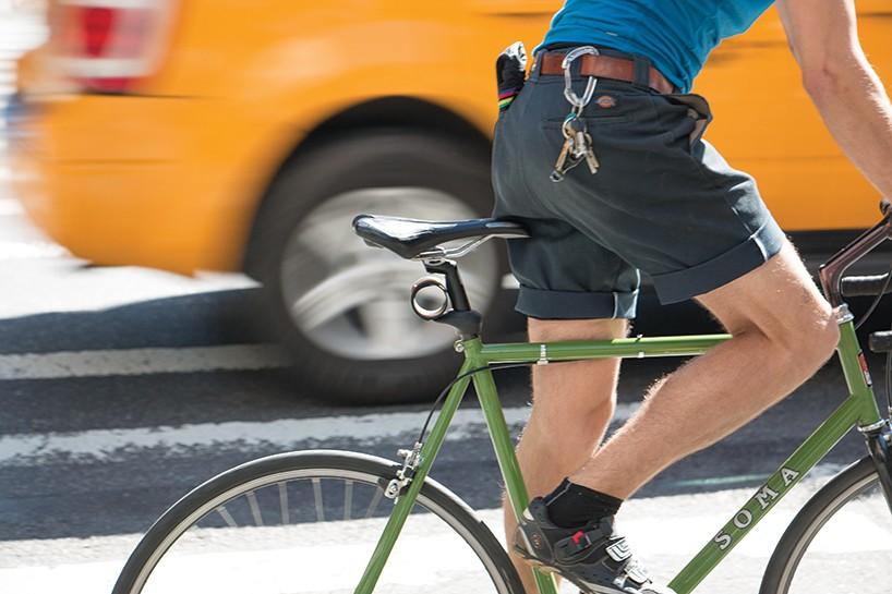 plume-mud-guard-bicycle-accessory-designboom-02-818x545