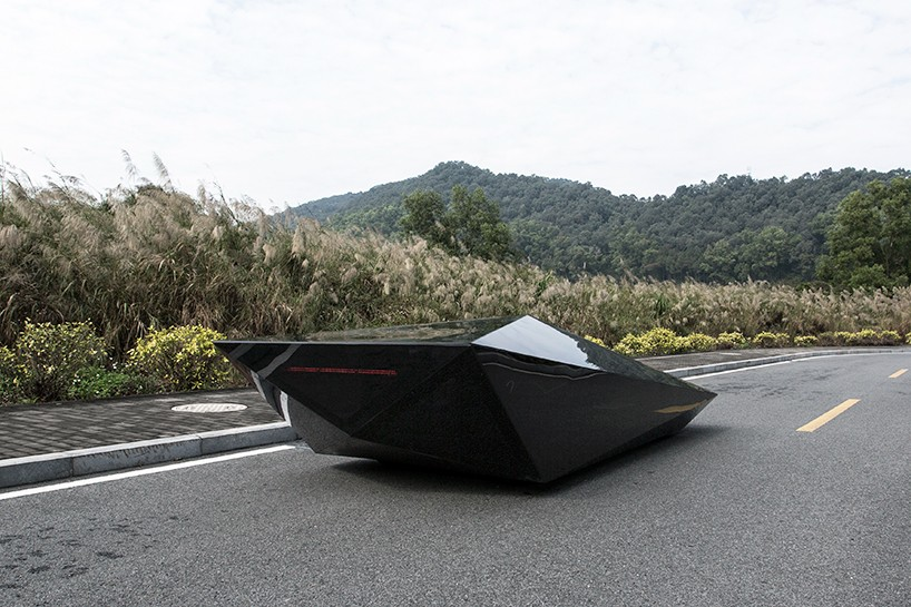 united-nude-lo-res-car-designboom-04-818x545