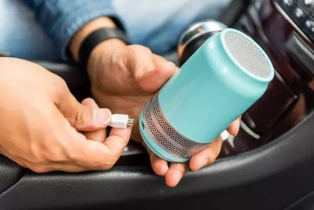 有害物質を破壊!ノンフィルターの小型空気清浄機「Luft Qi」